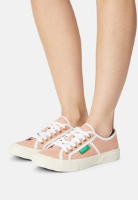 Benetton - TYKE PLUS - Sneakers basse - coquille/white - 0