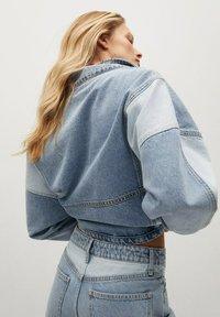 Mango - JULIETA - Relaxed fit jeans - middenblauw - 3