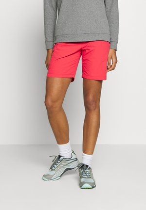 CHASKA - Outdoor Shorts - red sky