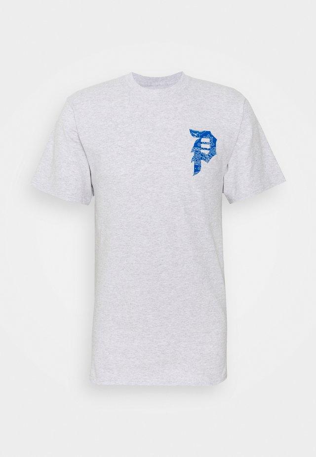 DIRTY PAISLEY TEE - Print T-shirt - ash heather