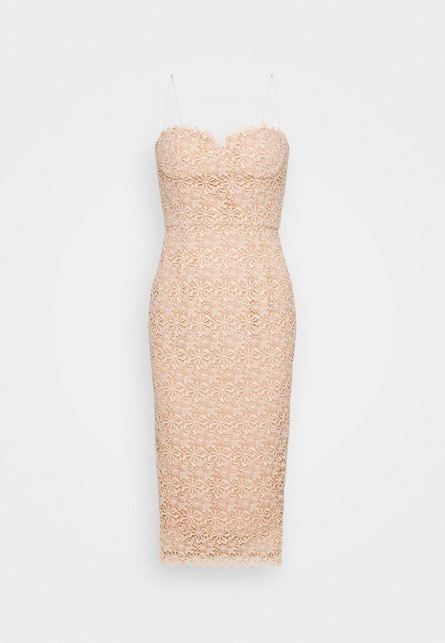 CHEYANNE - Koktejlové šaty/ šaty na párty - pink
