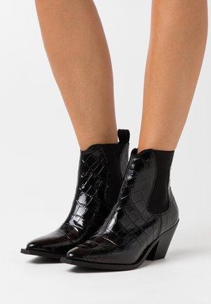 YASSORINA WESTERN BOOTS - Cowboy/biker ankle boot - black