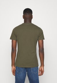 Lee - PATCH LOGO TEE - T-shirt - bas - olive green - 2