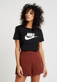 Nike Sportswear - TEE ICON FUTURA - Printtipaita - black/(white) - 0