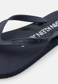 Calvin Klein Jeans - BEACH MONOGRAM  - T-bar sandals - night sky - 5