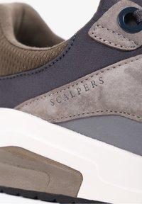 Scalpers - Trainers - khaki - 7