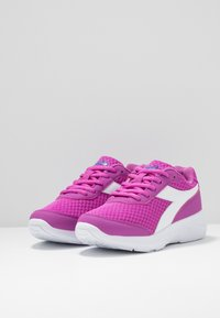 Diadora - EAGLE 3 - Neutral running shoes - purple/white - 3