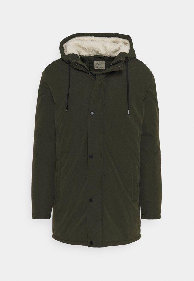 UTILITY - Zimní kabát - khaki