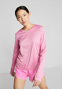 Nike Performance - MILER - Funktionsshirt - magic flamingo/reflective silver - 0