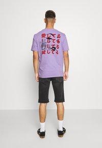 YOURTURN - UNISEX - Print T-shirt - purple - 0