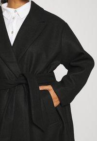 Vero Moda Curve - VMFORTUNE LONG - Klasyczny płaszcz - black - 4