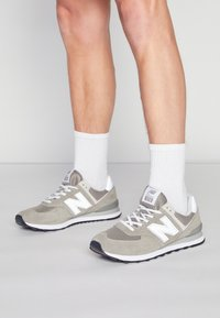New Balance - 574 - Tenisky - grey - 0
