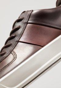 ECCO - SOFT 8 - Sneakers - coffee/brandy - 5