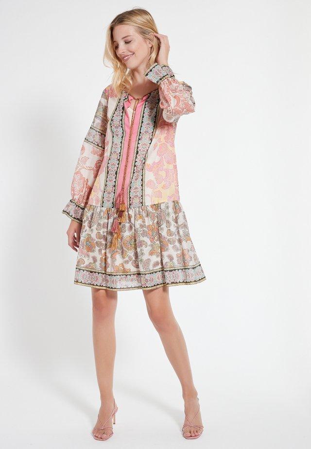 CEBAS - Korte jurk - mehrfarbig