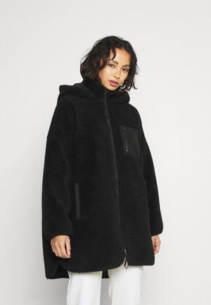 ONLSASCHA SHERPA JACKET - Winter coat - black
