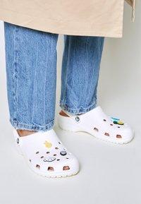 Crocs - SPRING BREAK VIBES UNISEX 5 PACK - Altri accessori - multi-coloured - 0