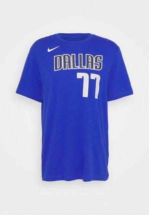 NBA DALLAS MAVERICKS LUKA DONCIC NAME & NUMBER TEE - Club wear - game royal