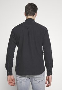 Jack & Jones - JJESHERIDAN SLIM - Shirt - black denim - 2