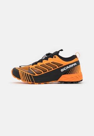RIBELLE RUN  - Laufschuh Trail - orange/black