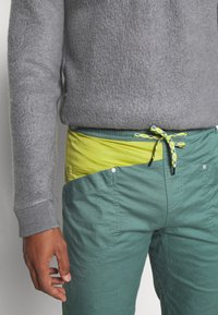 La Sportiva - BOLT PANT  - Outdoor trousers - pine/kiwi - 5
