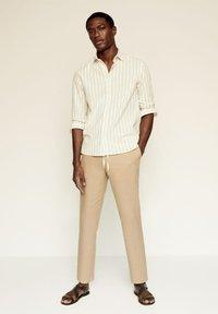 Mango - RILEY - Camisa - beige - 1