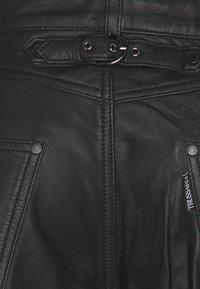Trussardi - TROUSERS REGULAR FIT - Lederhose - black - 2