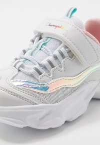 Champion - LEGACY LOW CUT SHOE PHILLY - Sports shoes - white - 5