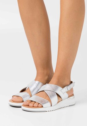 WOMS  - Sandalen met sleehak - silver metallic
