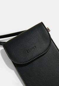 Esprit - Phone case - black - 6