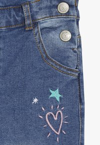 mothercare - DUNGAREE - Hängselbyxor - denim - 2