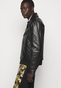 Versace Jeans Couture - Veste en cuir - nero - 5