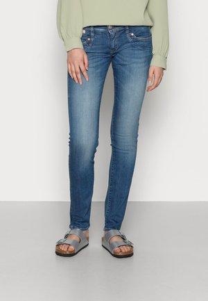 PIPER-SLIM-ORGANIC - Slim fit jeans - blue sea