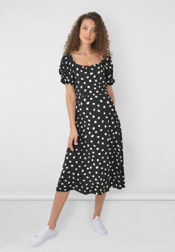 SPOT SQUARE NECK - Jersey dress - black