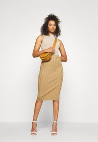 Missguided Tall - EXTREME MIDI SKIRT - Pencil skirt - brown - 1
