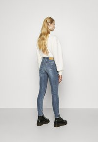 Noisy May - NMKIMMY ZIP - Jeans Skinny Fit - medium blue denim - 2
