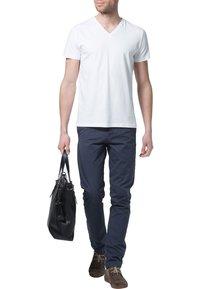Filippa K - SOFT LYCRA NECK - T-shirt basic - white - 1
