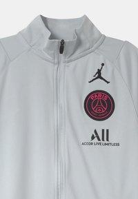 Nike Performance - PARIS ST GERMAIN SET UNISEX - Club wear - pure platinum/black - 3