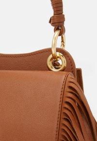 See by Chloé - TILDA FRINGE BAG - Handbag - caramello - 7