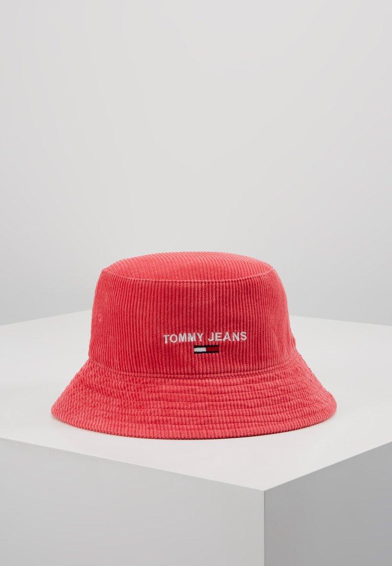 Tommy Jeans - TJW SPORT BUCKET CORDUROY - Beanie - red