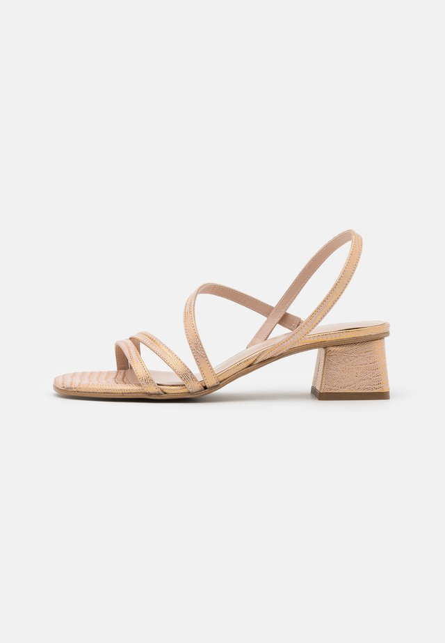 ERICA NEW - Sandals - chemi brass