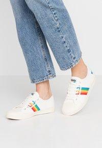 Gola - COASTER RAINBOW - Sneakersy niskie - offwhite - 0