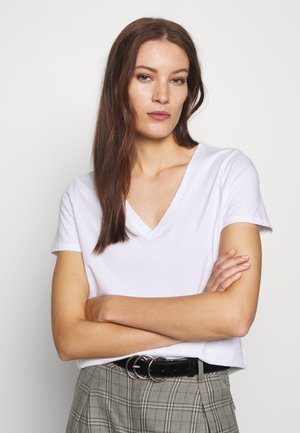 NEW SUPIMA VEE - Basic T-shirt - white
