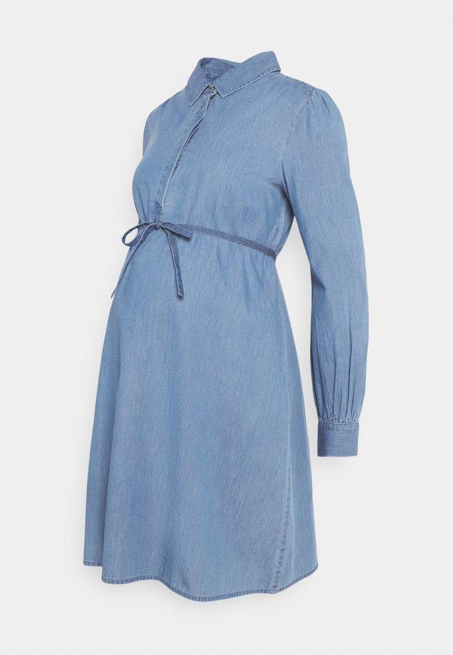 DRESS - Robe en jean - acid blue