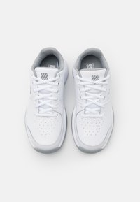 K-SWISS - COURT EXPRESS CARPET - Carpet court tennis shoes - white/high rise/silver - 3