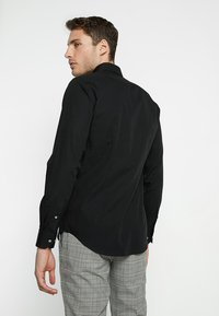 Tommy Hilfiger Tailored - CLASSIC SLIM  - Formal shirt - black - 2