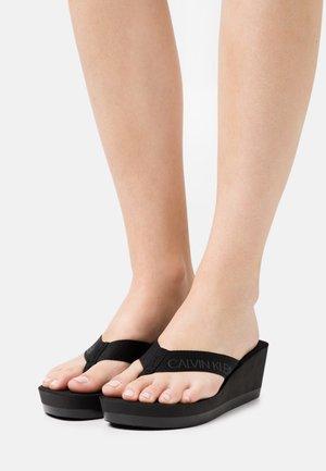 BEACH WEDGE PADDED - T-bar sandals - black