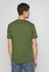 Belstaff - THOM - T-Shirt basic - olivine - 2