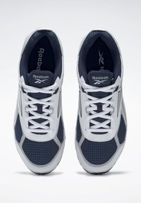 Reebok - QUICK CHASE - Sneakers - blue - 5