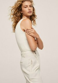 Mango - MED PRESS - Trousers - offwhite - 3