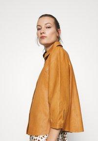 Saint Tropez - EMBER - Button-down blouse - meerkat - 3